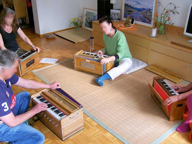 Harmonium-Workshop