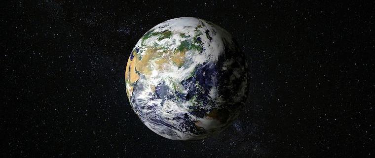 Erde im All
